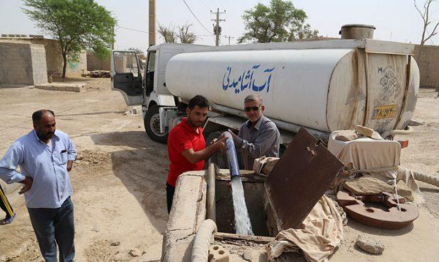 آبرسانی شرکت نفت خیز جنوب به روستاهای خوزستان ادامه دارد