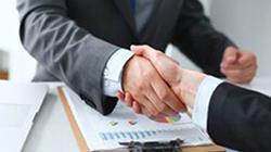 بانک کارآفرین با بیمارستان لاله تفاهمنامه امضا کرد