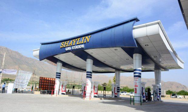 ۱۴ جایگاه عرضه فرآوردههای نفتی در فارس به بهرهبرداری رسید